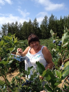 Blueberry picking with my awesome mom, Rosie :)